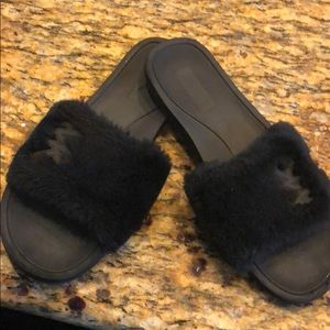 MIchael Kors Faux Fur fluffy black slippers